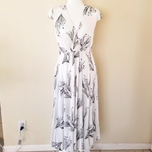 Free People - Size 4, Maxi Dress with Side Pockets